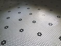 I've always been a fan of the vintage honeycomb tile...This is a particularly fetching pattern. -KWA