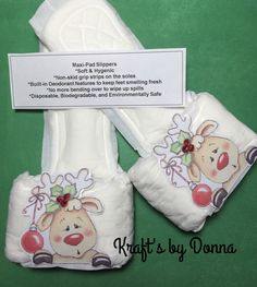 Reindeer Maxi Pad Slippers... by kraftsbydonna on Etsy