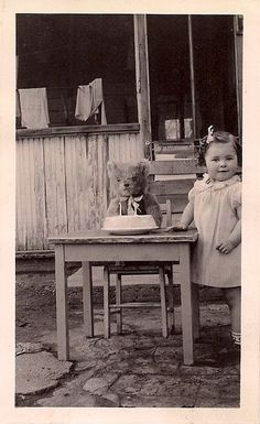 "Karen Smith WhenRosesBloom ""My bears always love to celebrate"" Teddy Bear birthday party Vintage Children Photos, Vintage Pictures, Old Pictures, Vintage Images, Old Photos, Vintage Girls, Old Teddy Bears, Vintage Teddy Bears, My Teddy Bear"