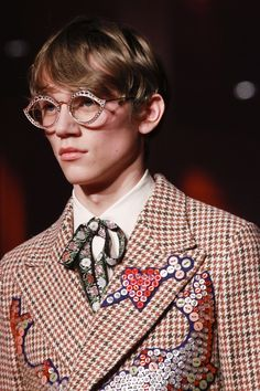 Gucci Fall 2016 Menswear Fashion Show Details