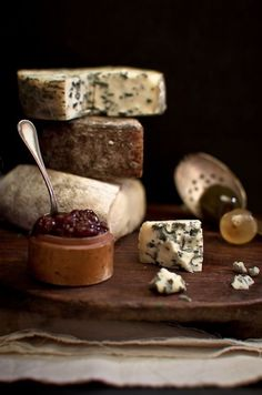 Fromage Cheese, Queso Cheese, Wine Cheese, Cheese Shop, Cheese Lover, Scary Cakes, Dark Food Photography, B Food, Italian Cheese
