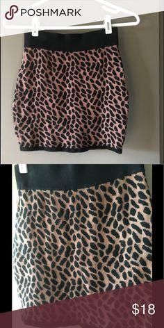 Leopard Print skirt Leopard print Forever 21 skirt. Size Small Forever 21 Skirts Mini
