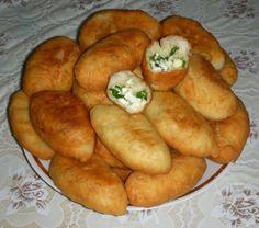 Пирожки жареные с зеленым луком и яйцами