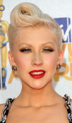 ROCK-ABILITY  Christina Aguilera goes back to the authentic rockabilly age with her fierce, sky-high quiff. BELLA DONNA XO