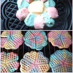 Du planst eine Troll-Party, passend zum Film? Dann gestalte doch regenbogenfarbiges Essen - z.B. in Form von kleinen Waffeln. Weitere schöne Ideen findest Du auch bei blog.balloonas.com #balloonas #kindergeburtstag #balloonas4you