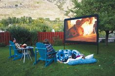 Backyard Movie Screen , DIY Outdoor , movie screen , outdoor movie, What a fun idea, especially for movie night with family or kids sleep overs..