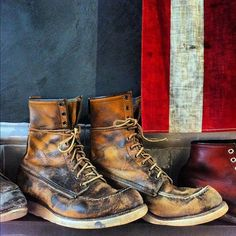 """Daily Man Up Photos) Ever been told to """"man up""""? Very few men ever """"man up"""" and it's about time we do. I'm not talking about some testosterone-fueled call to a. Red Wing Boots, White Boots, Red Wing Moc Toe, Fashion Boots, Mens Fashion, Mens Attire, Man Up, Shoe Company, Cool Boots"""