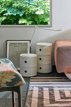 Another of the brand's greatest best-sellers arrives in stores in a matt black and white version, in an additional variant of one Kartell's most famous and instantly recognisable products, featured in homes all over the world for more than 50 years. Bench With Storage, Storage Design, Storage Solutions, Best Sellers, Indoor, Homes, Black And White, Modern, Color