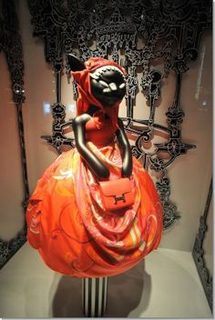 13 Best Hermes Windows images   Window displays, Shop windows ... cee0c344a7a