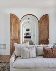 Spanish Revival Home, Spanish Style Homes, Spanish House, Spanish Colonial, Spanish Home Decor, Boho Glam Home, Style At Home, Home Decor Styles, Cheap Home Decor