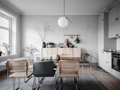 Ikea hack : que faire avec les caissons en bois Ivar ? New Living Room, Living Spaces, Dining Area, Dining Table, Pretty Room, Cool Apartments, Mid Century Modern Furniture, Living Room Inspiration, Ikea Hacks
