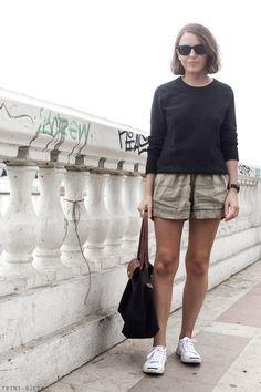 Trini | Isabel Marant Etoile linen shorts Equipment Sloane sweater Converse Jack Purcell white sneakers Longchamp Le Pliage bag