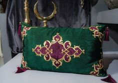 Discover thousands of images about DUBAİ Blackwork Embroidery, Gold Embroidery, Decorative Cushions, Scatter Cushions, Cushions On Sofa, Throw Pillows, Flower Pillow, Gold Work, Diy Home Crafts