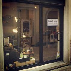 Negozio Manentishoes sta sera aperti fino alle 23.00. SHOPPING AL CHIARO DI LUNA