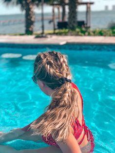 Swimming Hairstyles, Pool Hairstyles, Hairstyles Haircuts, Summer Hairstyles, Down Curly Hairstyles, Fancy Hairstyles, Braided Hairstyles, Beach Hair Updo, Beach Braids