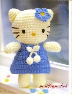 Crochet Hello Kitty patterns, in Portuguese but with charts. I am so gonna crochet this. Blog Crochet, Chat Crochet, Crochet Amigurumi, Crochet Beanie, Amigurumi Patterns, Amigurumi Doll, Crochet Crafts, Crochet Dolls, Crochet Baby