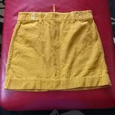Nice Skirt Ann Taylor LOFT Skirt Ann Taylor LOFT 100%cotton waist 32inch,/ long 17 inch mustard. Ann Taylor LOFT Skirts