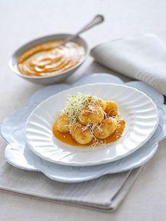Gnocchi con cuore di montasio e crema di zucca Gli gnocchi di zucca sono un ottimo primo piatto autunnale dal sapore delicato