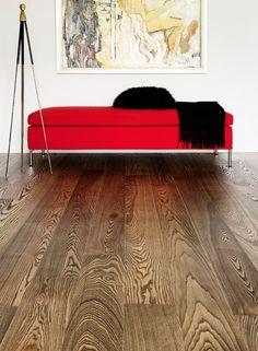 Ask Olive parkett i farge EBEN, børstet med  hard voksolje-overflatebehandling. Et vakkert gulv med fantastisk fargespill! #timberwise #parkett #ask #tregulv