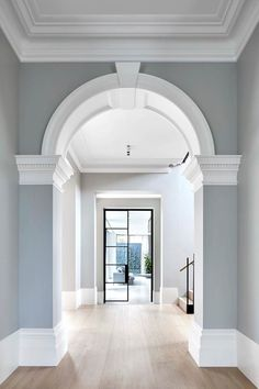 A selection of 30 of Australia's most jaw-dropping residences that showcase the talent of Australian designers. Modern Victorian Homes, Victorian House Interiors, Victorian Architecture, Victorian Interior Doors, Victorian Home Decor, Victorian Living Room, Victorian Houses, Classical Architecture, Home Interior