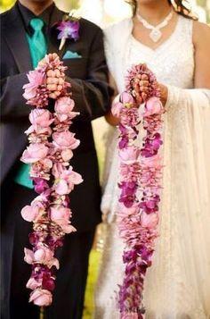 How to pick the perfect JAIMALA Flowers varmala designs Flower Garland Flower Garland Wedding, Bridal Flowers, Wedding Garlands, Flower Garlands, Floral Garland, Silk Flowers, Rose Wedding, Wedding Bride, Floral Wedding