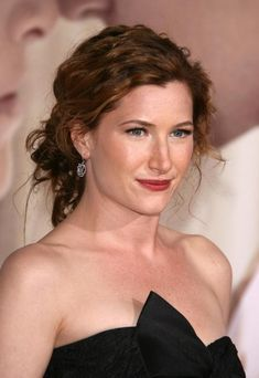 Kathryn Hahn Celebrity Baby Names, Celebrity Babies, Famous Celebrities, Celebs, Pretty People, Beautiful People, Kathryn Hahn, Sexy Women, Star Actress