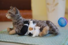 Needle Felted Momma Cat with kittens | by rootcrop54