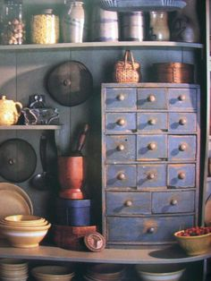 I adore apothecary chests. have a thing for tiny drawers Primitive Furniture, Primitive Antiques, Country Primitive, Diy Furniture, Primitive Decor, Spice Cabinets, Cupboards, Spice Drawer, Apothecary Cabinet