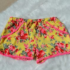 << Floral Flouncy Shorts >> Super cute and super comfy! These shorts are a beautiful combination of bright springy colors! Elastic waistband! Fits true to size  Nwt from my boutique Twang Boutique  Shorts