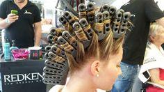Onda Magica - Tecnica 4  Uno strumento per creare un movimento naturale e una texture stupenda su capelli sottili. Ideale per acconciature raccolte e per il massimo volume sui capelli sciolti    #ischia #hair #parrucchiere #hairstylist #hairstyle #fashion #capelli #hairstyle #girl #look