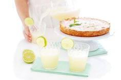 Granizado de limón Beverages, Drinks, Canapes, Flan, Glass Of Milk, Smoothies, Cream, Sweet, Desserts