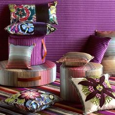 love all these pillows....maybe I need to make a pillow room