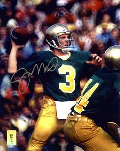 Joe Montana Quarterback University of Notre Dame Nd Football, College Football Players, Notre Dame Football, Football Quotes, Football Helmets, Notre Dame Campus, Noter Dame, Notre Dame Irish, Joe Montana