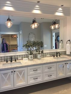 23 Vanities Bathroom Ideas to Get Your Best – Bathroom remodel master - Bathroom Ideas Bathroom Layout, Bathroom Interior Design, Modern Bathroom, Bathroom Ideas, Bathroom Organization, Tile Layout, Bathroom Cleaning, Bathroom Vanities, Bath Ideas