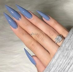 47 Ideas Nails Acrylic Coffin Purple Grey You are in the right place about beautiful nails Here we offer you the most beautiful pictures about Acrylic Nails Stiletto, Long Acrylic Nails, Coffin Nails Long, Long Nails, Purple Stiletto Nails, Purple Chrome Nails, Pointy Nails, Gray Nails, Matte Nails