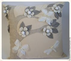 """Подушка """"Зимний сад"""" - бежевый,подушка декоративная,подушка,подарок,полезный подарок"""