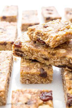 Barre de granola crue / No Bake Oatmeal Raisin Granola Bars #vegan #gf  @BeamingBaker #beamingbaker @Mj0glutenVG #0-GlutenVegeBrest #GranolaBars #barre #granola #cru