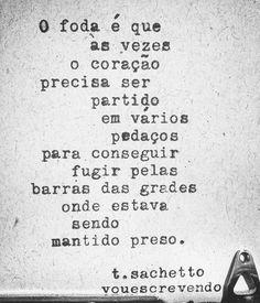 Dos corações que só acordam na base da porrada.  #poesia #poema #frase #frases…