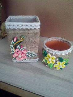 Quilling on cups Paper Quilling Tutorial, Paper Quilling Designs, Quilling Paper Craft, Quilling 3d, Quilling Flowers, Quilling Patterns, Tin Can Crafts, Diy And Crafts, Arts And Crafts