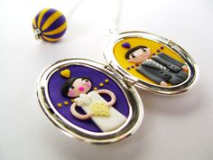 Personalized wedding locket with the colors of the Louisiana State University by Les Folles Marquises