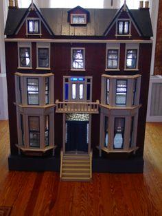 http://www.meehanantiqueminiatures.com   Antique Dolls Houses