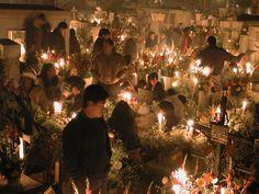 Día de los Muertos en Mixquic...  Day of the Dead celebration in Mixquic...  Beautiful Tradition.
