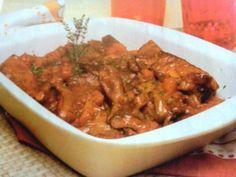 Receita de Peito de Vitela à Serrano  Esta é uma receita tipicamente portuguesa, e que deve ser servida bem quente. Se não tiver vitela para a receita, pode usar novilho ou vaca.  Receita completa em http://www.receitasja.com/peito-de-vitela-a-serrano/