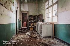 School of Decay,België,verlaten,school,urbex