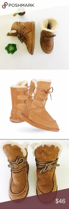 EMU boots EMU Australia Delegate boots in chestnut. Water resistant sheepskin upper. Soft EVA midsole for comfort and support. Durable rubber outsole. In excellent condition. Size 6. Emu Shoes Winter & Rain Boots