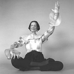 """The only real elegance is in the mind; if you're got that, the rest really comes from it."" Diana Vreeland"