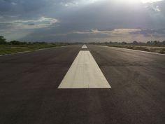 airstrip에 대한 이미지 검색결과