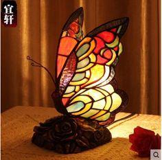 Hecho a mano tiffany mariposa colorida lámpara de mesa de vidrio para living room bed room bar decor lámpara e14 Ac90-265v 1891