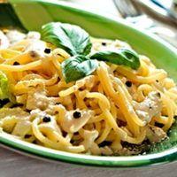 Špagety se sýrovou omáčkou Pasta Recipes, Vegan Recipes, Macaroni And Cheese, Ethnic Recipes, Vegane Rezepte, Mac And Cheese, Vegan Dinner Recipes