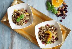 170 g quinoa        120 g szárított áfonya, feldarabolva       25 g friss bazsalikom, apróra vágva       2  dl narancslé       100  mg mandula, apróra vágva         egy kisebb gránátalma         só ízlés szerint       Áztassuk be a szárított, feldarabolt áfonyát narancslébe minimum 2 órára, de akár hűtőben is hagyhatjuk ...